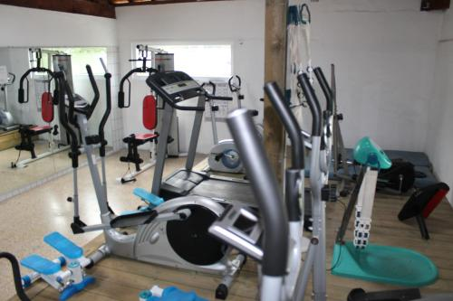 The fitness center and/or fitness facilities at Camping des Roses