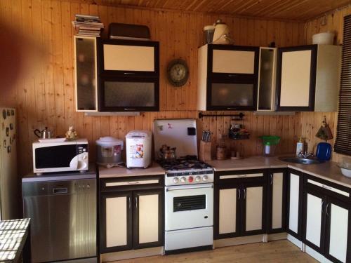 Кухня или мини-кухня в Банька у Ивана