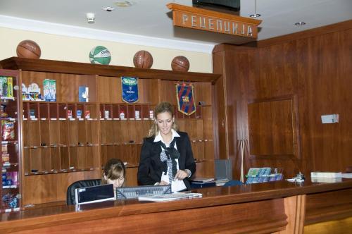 Lobi ili recepcija u objektu Hotel Norcev