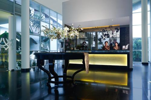 The lobby or reception area at Grand Kecubung Hotel