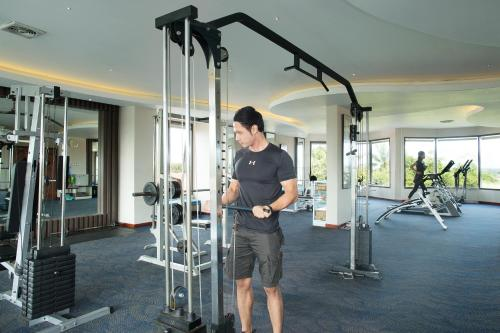 The fitness center and/or fitness facilities at Grand Kecubung Hotel