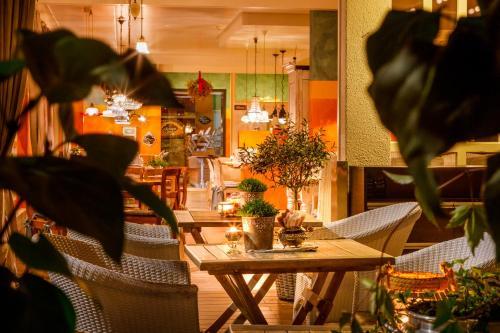 Ein Restaurant oder anderes Speiselokal in der Unterkunft Hotel & Restaurant zum Beck