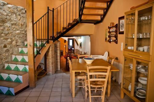 Un restaurante o sitio para comer en Casa Jara