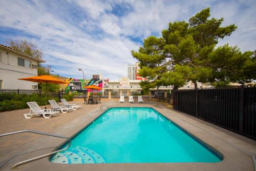 The swimming pool at or near Downtowner Boutique Hotel