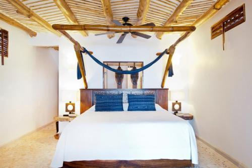 Cama o camas de una habitación en Aamori Boutique Hotel (Only Adults)