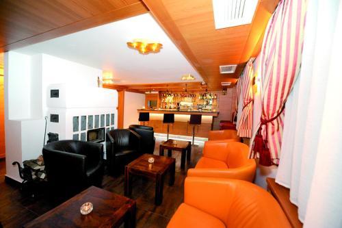 Lounge oder Bar in der Unterkunft König