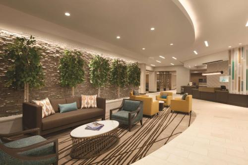 The lobby or reception area at Hyatt Place Washington DC/Georgetown/West End