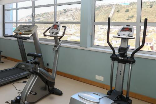 The fitness center and/or fitness facilities at Hotel Praia