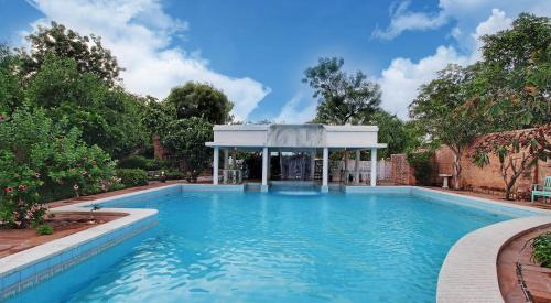The swimming pool at or close to Hotel Inn Season