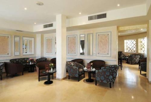 The lobby or reception area at Hotel du Parc