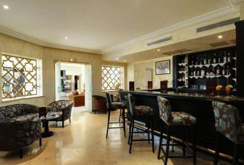 The lounge or bar area at Hotel du Parc