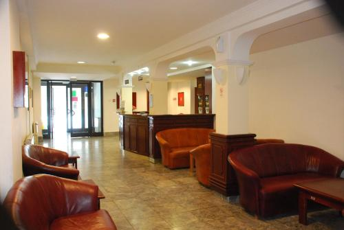 The lobby or reception area at Hotel Makpetrol Mavrovo