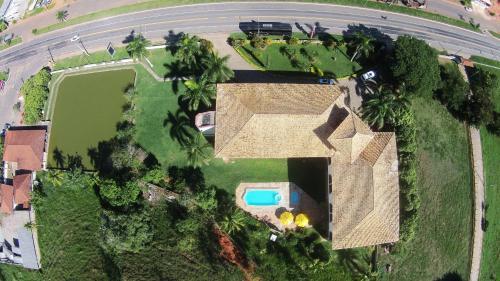 Uma vista aérea de Hotel Caiçara Bistrô e Eventos Ltda