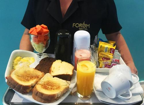 Breakfast options available to guests at Forum Motel