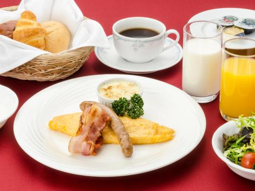 Breakfast options available to guests at Ginza Creston