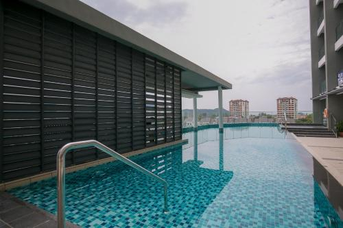 The swimming pool at or close to 98 Studio Suite, by Sanguine