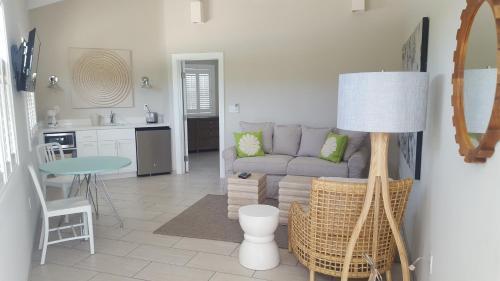 A seating area at Cape Eleuthera Resort & Marina