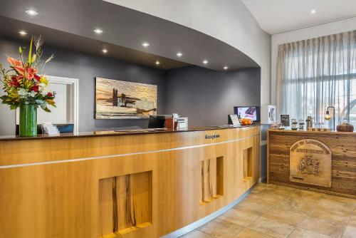 The lobby or reception area at Peppers Seaport Hotel