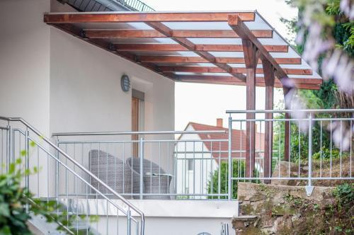 Ein Balkon oder eine Terrasse in der Unterkunft Haus Vis a vis