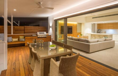 A seating area at Kaylani Beach Houses