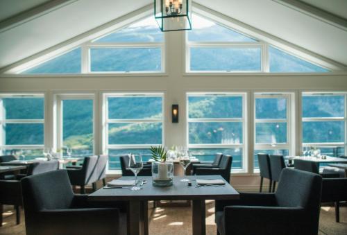 Restauracja lub miejsce do jedzenia w obiekcie Grande Fjord Hotel