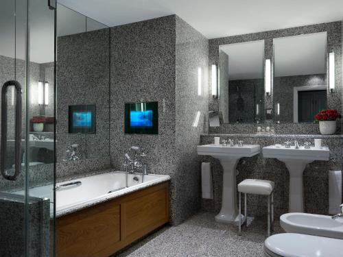 A bathroom at Haymarket Hotel, Firmdale Hotels