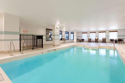 The swimming pool at or near Hyatt Place Austin Downtown