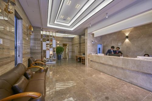 The lobby or reception area at Dubai Hotel