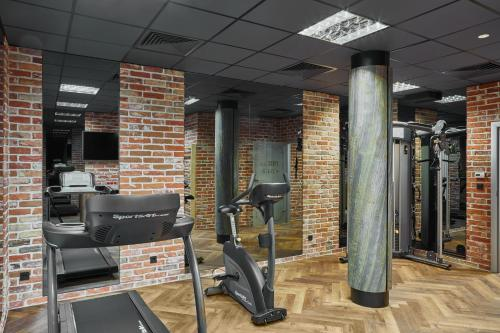 The fitness center and/or fitness facilities at INX Design Hotel