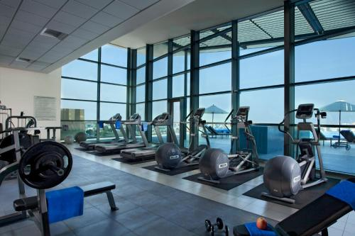 The fitness center and/or fitness facilities at Ascott Park Place Dubai