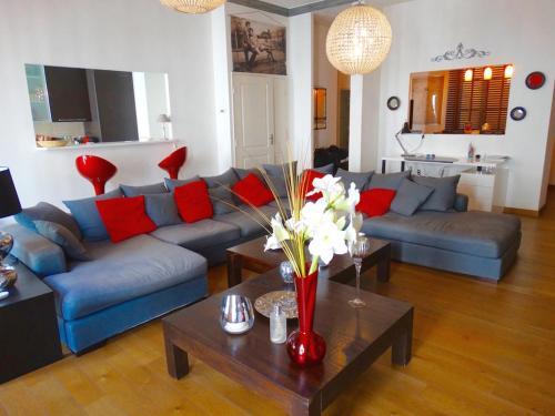 A seating area at Luxury Rental Marseille Imperial - Rue de la République