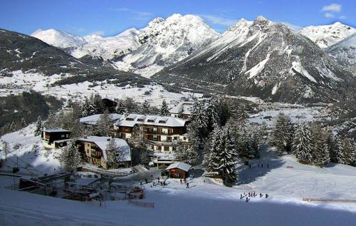Baita De Mario during the winter