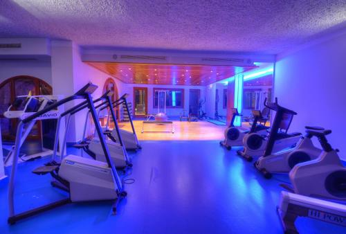 The fitness center and/or fitness facilities at Hotel Ta' Cenc & Spa