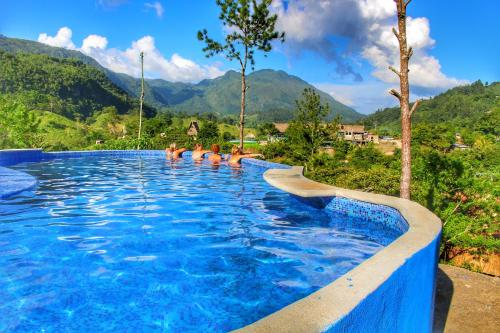 The swimming pool at or close to Hostal Vista Verde Lanquin