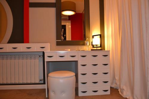 A bathroom at Piazza Boutique Hotel
