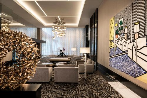 A seating area at The Ritz-Carlton, Chicago