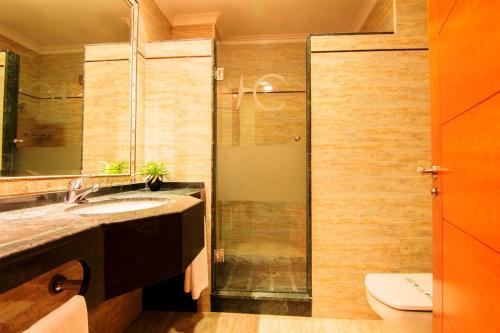 A bathroom at Hotel Carmen