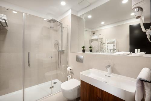 A bathroom at Hotel Ora