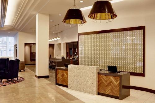 The lobby or reception area at Hyatt Place St. Paul