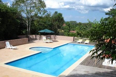 A piscina localizada em Hotel Spazio ou nos arredores