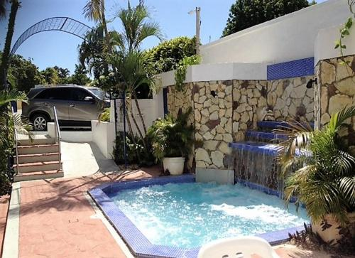 Der Swimmingpool an oder in der Nähe von Hotel Caribe