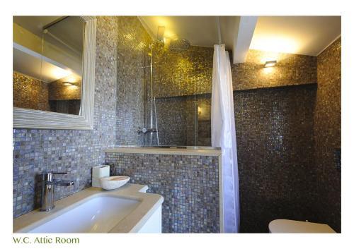 A bathroom at B&B Balsimelli12