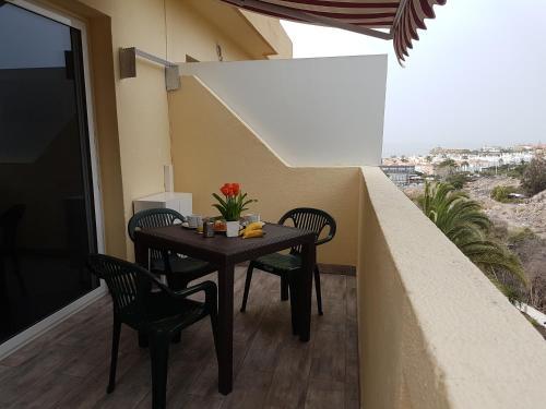 A balcony or terrace at Apartamento En Mareverde Resort