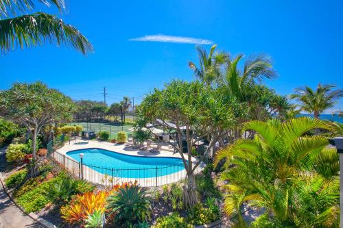 A view of the pool at Beach Breakers Resort or nearby