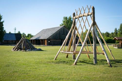 Lasten leikkialue majoituspaikassa Holiday Village Suur Töll