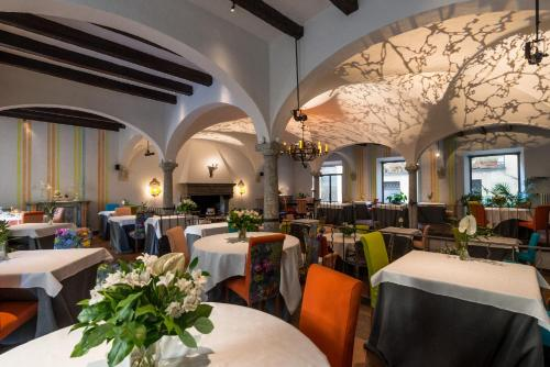 A restaurant or other place to eat at Hotel Florence