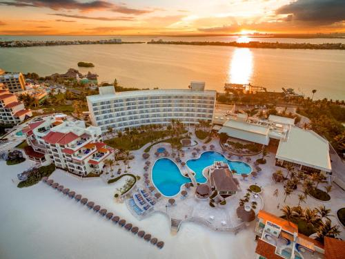 A bird's-eye view of Grand Park Royal Cancún
