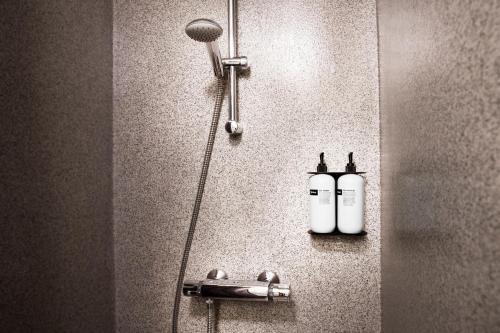 A bathroom at Hotel Höfn