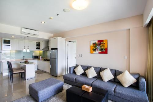A seating area at Kuta Reef Apartments