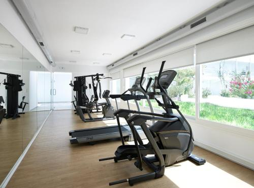 The fitness center and/or fitness facilities at Kouros Seasight Hotel